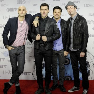 Hedley in 2012 JUNO Awards - Arrivals - hedley-2012-juno-awards-02