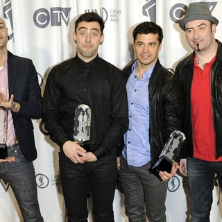 Hedley in 2012 JUNO Awards - Press Room - hedley-2012-juno-awards-press-room-01