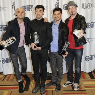 Hedley in 2012 JUNO Awards - Press Room - hedley-2012-juno-awards-press-room-02