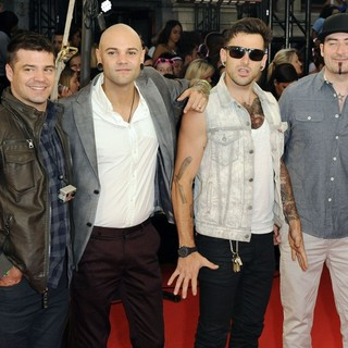 Hedley in 2012 MuchMusic Video Awards - Arrivals