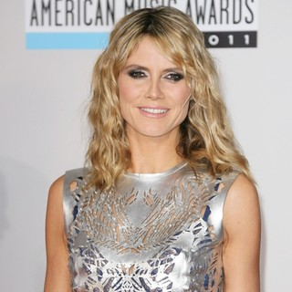 Heidi Klum in 2011 American Music Awards - Arrivals