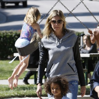 Heidi Klum, Lou Sulola Samuel in Heidi Klum on A Family Day Out