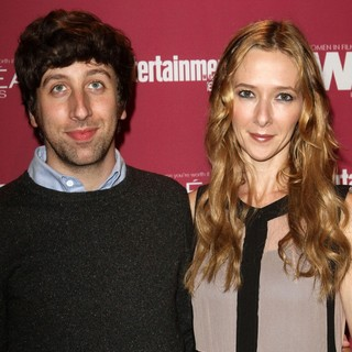 Simon Helberg, Jocelyn Towne in The 2011 Entertainment Weekly and Women in Film Pre-Emmy Party Sponsored by L'Oreal