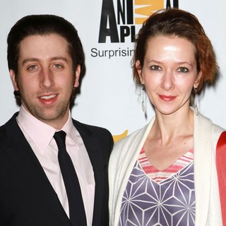 Simon Helberg, Jocelyn Towne in 25th Anniversary Genesis Awards - Arrivals