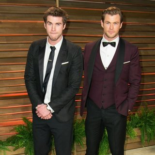Liam Hemsworth, Chris Hemsworth in 2014 Vanity Fair Oscar Party