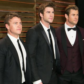 Luke Hemsworth, Liam Hemsworth, Chris Hemsworth in 2014 Vanity Fair Oscar Party