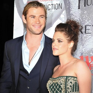 Chris Hemsworth, Kristen Stewart in Australian Premiere of Snow White and the Huntsman - Arrivals