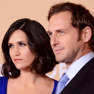 Jessica Ciencin Henriquez, Josh Lucas in 2013 CNN Heroes: An All Star Tribute - Red Carpet Arrivals