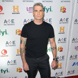 henry rollins iron essay Henry rollins quotes & workout tips - exclusive interview & quotes from henry rollins including workout tips and essay iron and the soul by henry rollins see more.