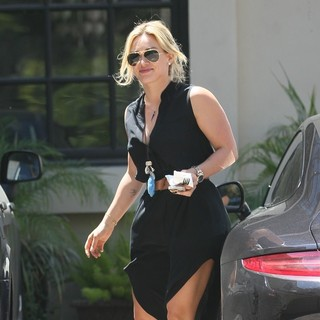 Hilary Duff in Hilary Duff Going to Carrie Underwood's House