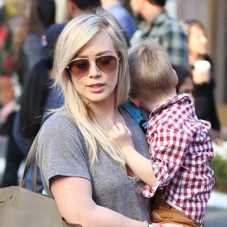Hilary Duff Doing Last Minute Christmas Shopping with Family