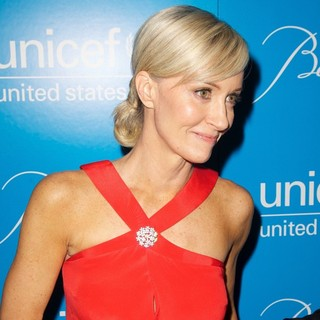 Hilary Quinlan in 8th Annual UNICEF Snowflake Ball