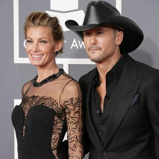 Faith Hill in 55th Annual GRAMMY Awards - Arrivals - hill-mcgraw-55th-annual-grammy-awards-01