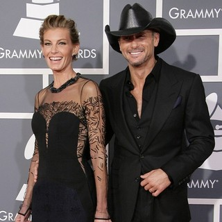 Faith Hill in 55th Annual GRAMMY Awards - Arrivals - hill-mcgraw-55th-annual-grammy-awards-03