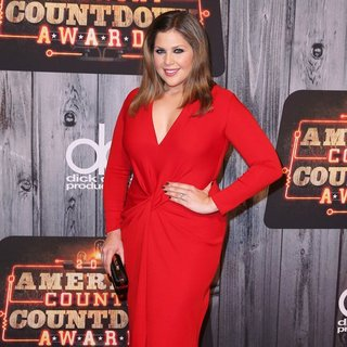 Lady Antebellum in 2014 American Country Countdown Awards - Red Carpet Arrivals - hillary-scott-2014-american-country-countdown-awards-02