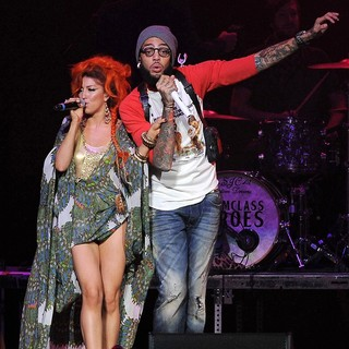 Neon Hitch in The Y100 Jingle Ball 2011 - hitch-gym-class-heroes-performing-live-y100-jingle-ball-2011-02