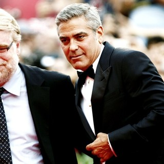 Philip Seymour Hoffman, George Clooney, Marisa Tomei in 68th Venice Film Festival - Day 1 - The Ides of March - Red Carpet