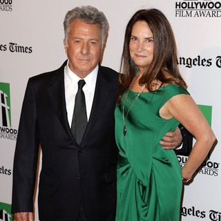 Dustin Hoffman in 16th Annual Hollywood Film Awards Gala - hoffman-gottsegen-16th-annual-hollywood-film-awards-gala-02