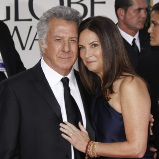 Dustin Hoffman, Lisa Gottsegen in The 69th Annual Golden Globe Awards - Arrivals