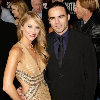 Ellen Hollman, Dustin Clare in U.S. Premiere Screening of Spartacus: War of the Damned