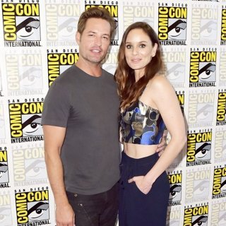 Josh Holloway, Sarah Wayne Callies-San Diego Comic Con 2017 - Colony - Photocall