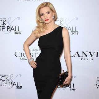 Holly Madison - Nevada Ballet Theatre Honors Debbie Allen as Its 2015 Woman of The Year