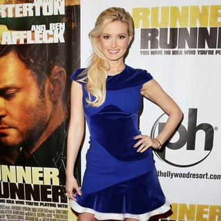 Holly Madison in Twentieth Century Fox and New Regency Celebrate The World Premiere of Runner, Runner