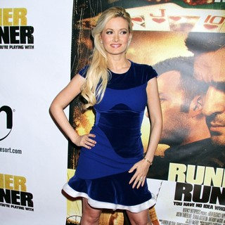 Holly Madison - Twentieth Century Fox and New Regency Celebrate The World Premiere of Runner, Runner