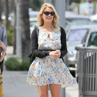 Holly Madison - Holly Madison Wears A Summery Dress while Strolling Through Beverly Hills