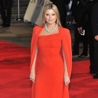 Holly Valance in World Premiere of Skyfall - Arrivals