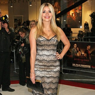 Holly Willoughby in The Twilight Saga's Breaking Dawn Part I UK Film Premiere - Arrivals