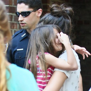Suri Cruise, Katie Holmes in Katie Holmes and Suri Cruise Spend The Afternoon at The Central Park Zoo