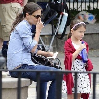 Katie Holmes and Suri Cruise Enjoy A Day at Brooklyn Bridge Park - holmes-cruise-enjoy-a-day-02