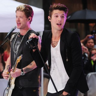 Nash Overstreet, Ryan Follese, Hot Chelle Rae in Hot Chelle Rae Perform at The Toyota Concert Series on The Today Show