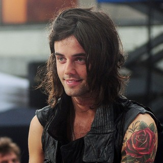 Ian Keaggy, Hot Chelle Rae in Hot Chelle Rae Perform at The Toyota Concert Series on The Today Show