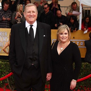 Ken Howard, Linda Fetter in 19th Annual Screen Actors Guild Awards - Arrivals