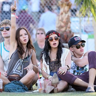 Vanessa Hudgens, Austin Butler in Celebrities at The 2012 Coachella Valley Music and Arts Festival - Day 3