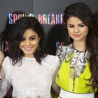 Vanessa Hudgens, Selena Gomez in Spring Breakers Photocall
