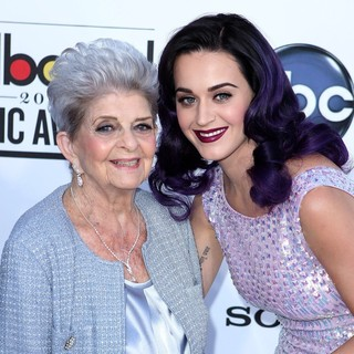 Ann Hudson, Katy Perry in 2012 Billboard Music Awards - Arrivals