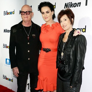 Keith Hudson, Katy Perry, Mary Hudson in 2012 Billboard Women in Music Luncheon - Arrivals