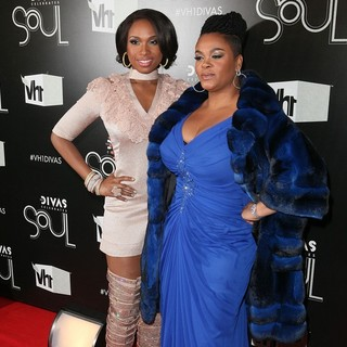 Jennifer Hudson, Jill Scott in The VH1 Divas Celebrates Soul - Arrivals
