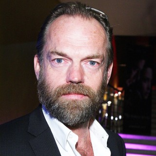 Hugo Weaving in Russian Premiere of The Wolfman - hugo-weaving-russian-premiere-the-wolfman-02