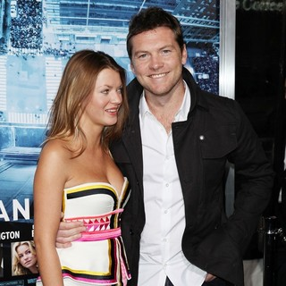 Sam Worthington in Premiere of Man on a Ledge - humphries-worthington-premiere-man-on-a-ledge-04