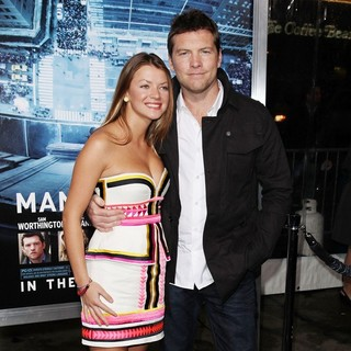 Sam Worthington in Premiere of Man on a Ledge - humphries-worthington-premiere-man-on-a-ledge-05