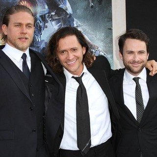 Clifton Collins Jr. in Los Angeles Premiere of Pacific Rim - hunnam-collins-jr-day-premiere-pacific-rim-01