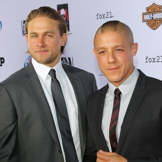 Charlie Hunnam, Theo Rossi in Premiere of FX's Sons of Anarchy Season Six - Arrivals