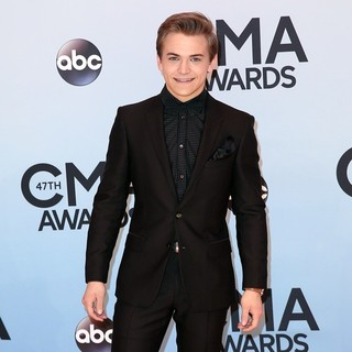 Hunter Hayes in 47th Annual CMA Awards - Red Carpet
