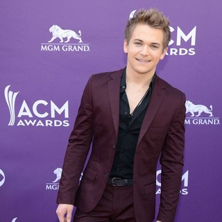 Hunter Hayes in 48th Annual ACM Awards - Arrivals