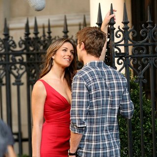 Elizabeth Hurley, Chace Crawford in Shooting for Gossip Girl