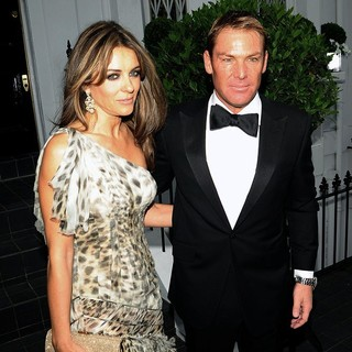 Elizabeth Hurley and Shane Warne Making Their Way to Elton John's Party - hurley-warne-to-elton-john-s-party-01